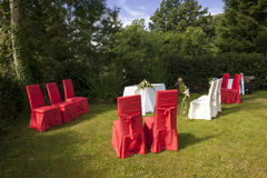 Utomhus- bröllop i slotten Arkivfoto
