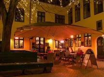 utomhus- cafe arkivbild