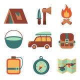 Utomhus campa plan symbolsuppsättning för turism Royaltyfria Foton