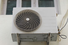 Utomhus- enhet för luftkonditioneringsapparat Arkivfoton