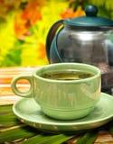 Utomhus- grönt te betyder kafeterior som förnyar och, förnyar royaltyfri bild