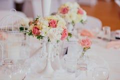 Utomhus- inomhus för bröllopdekor Royaltyfri Fotografi