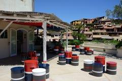 Utomhus- kafé i Porto Cervo Royaltyfri Bild