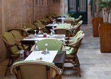 Utomhus- kafé som ställer in Royaltyfria Bilder