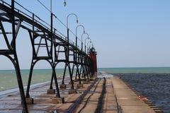 Utomhus- Lake Michigan, sand, fåglar, flod, vågor, pir, vatten, södra tillflyktsort, semester arkivfoto