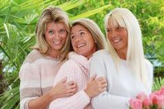 Utomhus- lycklig mogen kvinna tre Fotografering för Bildbyråer