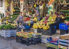 Utomhus- marknadsshopping Royaltyfri Fotografi