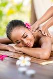 Utomhus- massage arkivbilder