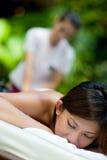 Utomhus- massage royaltyfria bilder