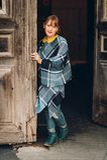 Utomhus- modestående av årig flicka rolig 9-10 Arkivfoto