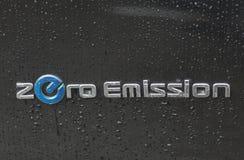 Utomhus- Nissan Zero Emission logocloseup Royaltyfria Foton