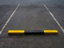 Utomhus- parkeringsgränd Arkivbilder