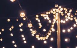 Utomhus- parti för ljus garneringhändelsefestival arkivbilder