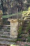 Utomhus- predikstol av en kyrka som göras av granitstenen royaltyfri bild