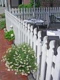 utomhus- restaurang för staket royaltyfri fotografi