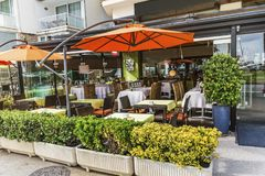 Utomhus- restaurang i Barcelona Arkivbilder