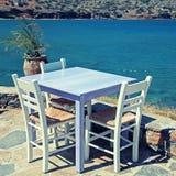 Utomhus- restaurang i Grekland Arkivbild