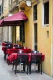 Utomhus- restaurang i Venedig Arkivfoton