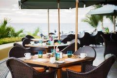 Utomhus- restaurang på stranden i Mexico Arkivbilder