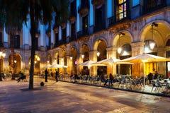 Utomhus- restauranger på Placa Reial Barcelona Royaltyfria Foton