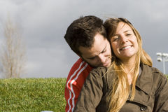 utomhus- romantiker för par Royaltyfri Fotografi