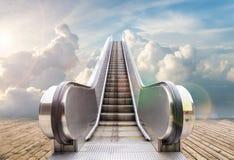 Utomhus- rulltrappa till himlen Arkivfoton