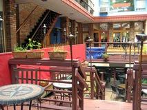 Utomhus- shoppingPlaza royaltyfri fotografi