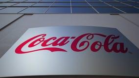Utomhus- signagebräde med cocaen - colalogo byggande modernt kontor Redaktörs- tolkning 3D Royaltyfria Foton