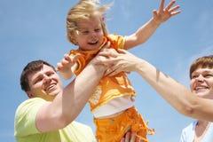 utomhus- skämtsam tid för familj Royaltyfri Foto