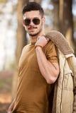 Utomhus- stor seende manlig modell Fotografering för Bildbyråer