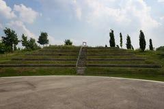 Utomhus- teater framme av blå himmel fotografering för bildbyråer