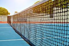 Utomhus- tennisbana med inget i Malibu arkivfoto