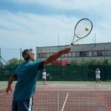 Utomhus- tennisskola Arkivbilder