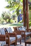 Utomhus- terrass med stolar Fotografering för Bildbyråer