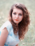 Utomhus- ung kvinna Royaltyfri Bild