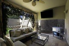 utomhus- uteplatsplaza för home herrgård Arkivbild