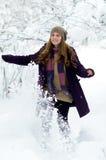 utomhus- vinterkvinnabarn Fotografering för Bildbyråer