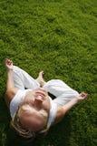 utomhus- yoga Arkivfoto