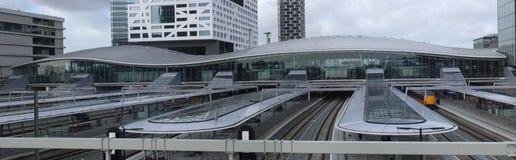 Utrecht, Нидерланд, 15-ое февраля 2019: Панорама центрального вокзала Utrecht, главный вокзал в Нидерланд стоковые фотографии rf