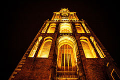 UTRECHT, holandie - PAŹDZIERNIK 18: Antyczny Europejski kościół z pory nocnej oświetleniem Utrecht, Holandia - Zdjęcie Royalty Free
