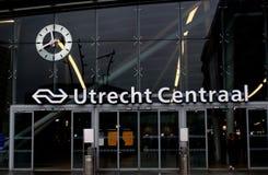 Utrecht, os Países Baixos, o 15 de fevereiro de 2019: Estação central de Utrecht, Utrecht centraal, estação principal das estrada imagem de stock