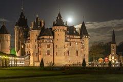 Utrecht Países Bajos 11-26-2015; Castle De Haar en Utrecht en la Luna Llena momentos antes de la Navidad imagenes de archivo