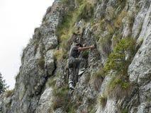 Utrustad alpinist Royaltyfri Bild