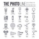 Utrustning av den tunna linjen uppsättning för fotograf för symbolsdesignillustration Plant begrepp för objekt för översiktsfotos stock illustrationer