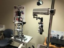 Utrustning för ögonexamen fotografering för bildbyråer