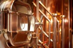 Utrustning för förberedelsen av öl arkivbild