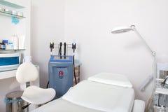 Utrustning i cosmetologyklinik royaltyfria foton