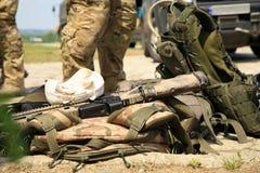 utrustning pressar soldatspecialtaktiskt Royaltyfri Foto