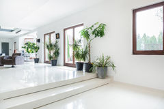 Utrymme i dyrt hus Arkivfoto
