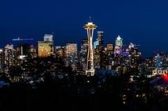 Utrymmevisar- & Seattle horisont royaltyfria foton